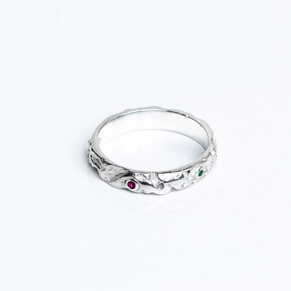 Chunky silver quince textured ring Gemset